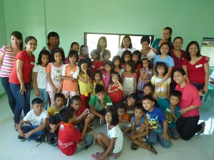 Wednesday Dgroup - Christmas 2012 with kids in Marikina.