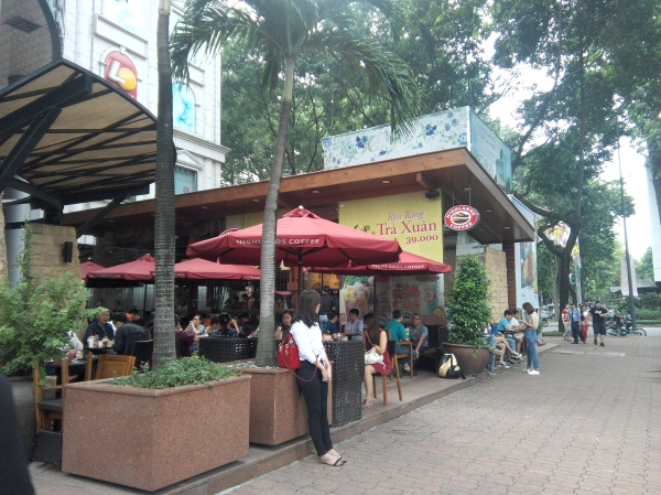 Highlands Coffee. The franchise died in Manila, but in Ho Chi Minh it's packed everywhere!